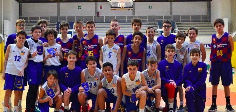 Els Jugadors Del Mini A Masculí Després D'enfrontar-se Al Barça
